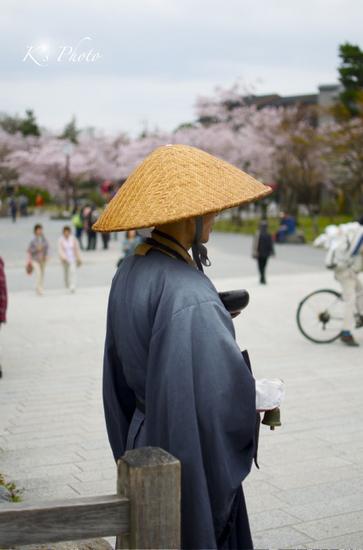 嵐山の僧.jpg