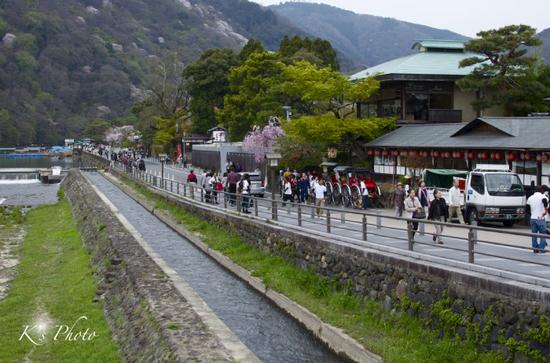 嵐山観光客.jpg